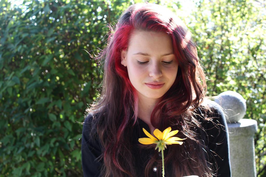 Flower by EljotLJ