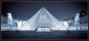 Louvre Pyramid by goranbaotic