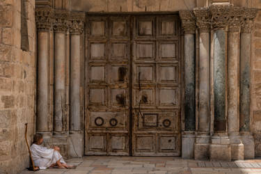 Jesus before the Gates
