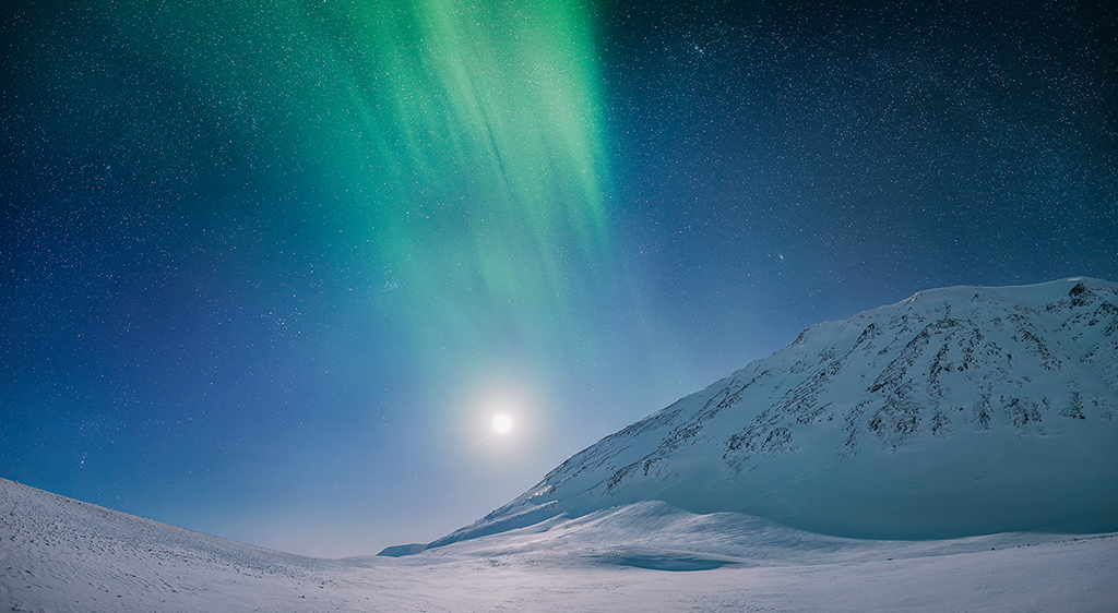 Arctic Night by Trichardsen