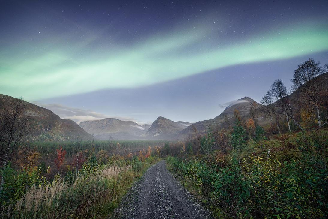 Eternal valley by Trichardsen