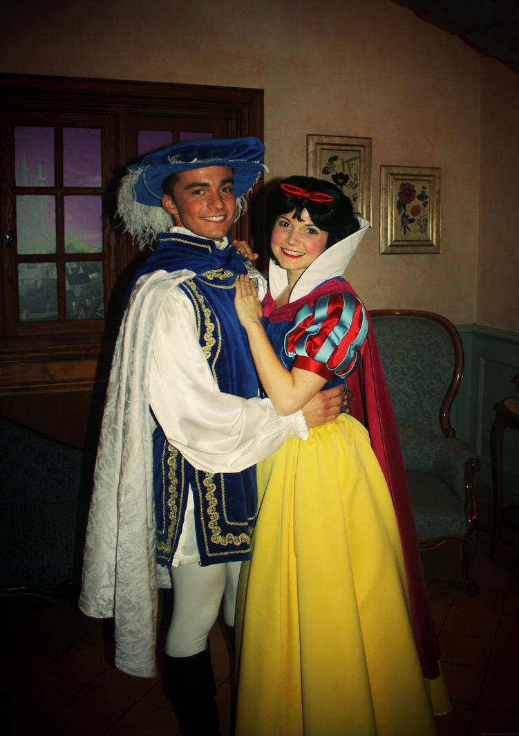 Snow White and her Prince by Mlle-Dreamer ...  sc 1 st  DeviantArt & Snow White and her Prince by Mlle-Dreamer on DeviantArt