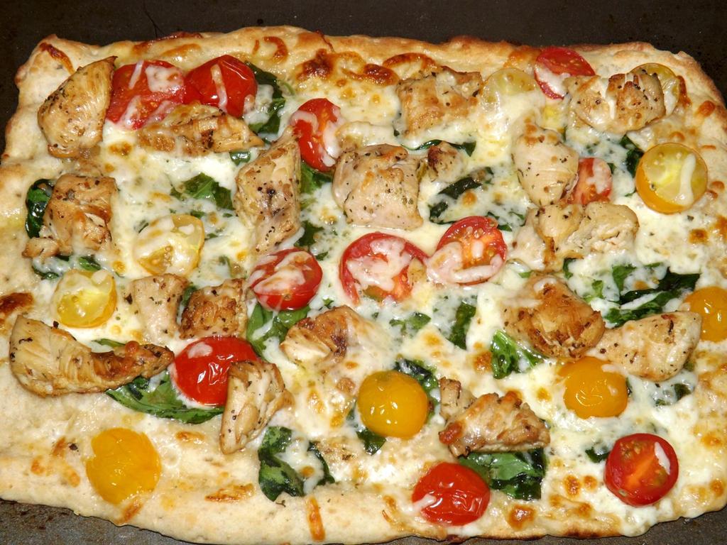 Chicken Flatbread Pizza! by CorpusVermis
