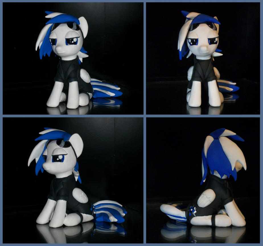 DJ Brony sculpture commission by MadPonyScientist