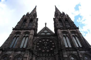 Cathedrale de Clermont by Doloresvselenium