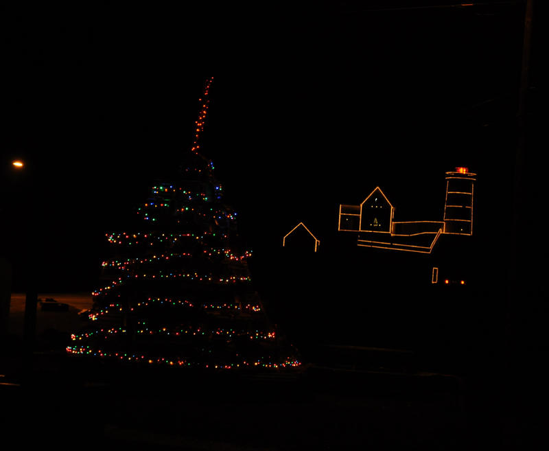 lobster trap Xmas pyramid with lights on by FlowerFreak