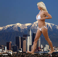 Giantess Pamela Anderson by jjuenger