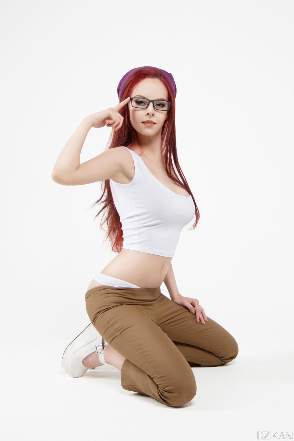 naked hipster girl and gamergirl
