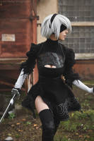 NieR: Automata -YoRHa No.2 Type B (aka 2B) cosplay by Disharmonica