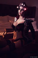 Cosplay Widowmaker Huntress by Disharmonica