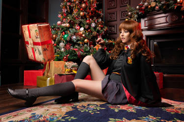 Cosplay Hermione Granger by Disharmonica