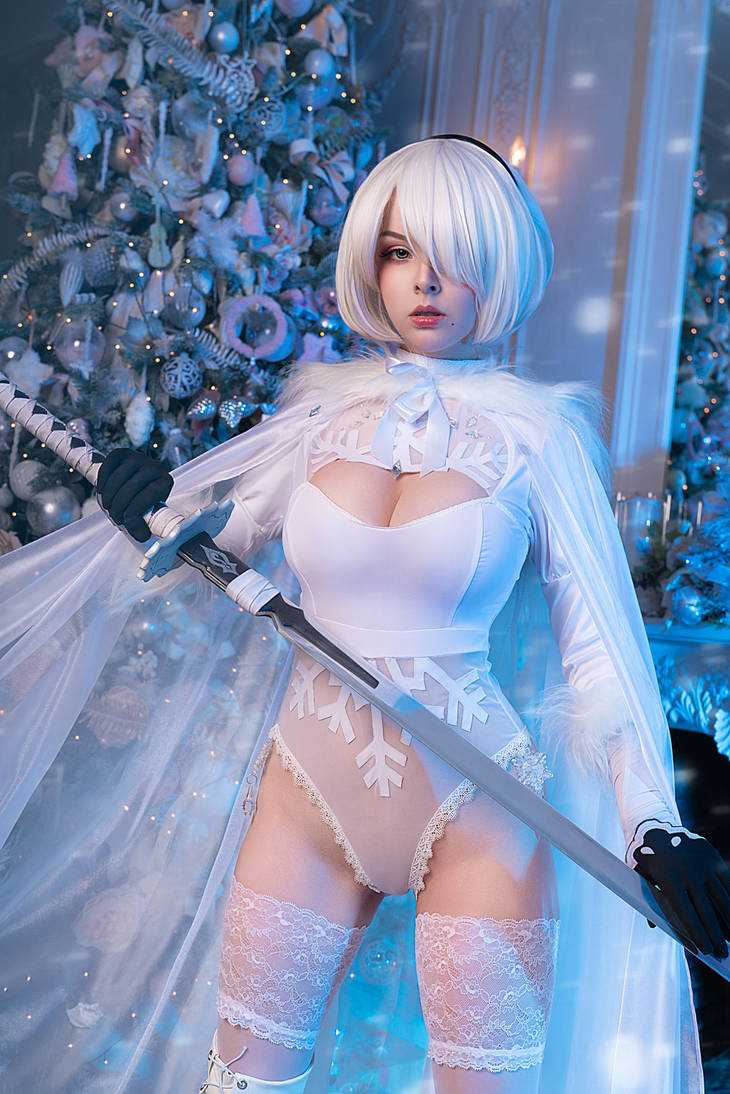 2B Winter Edition cosplay