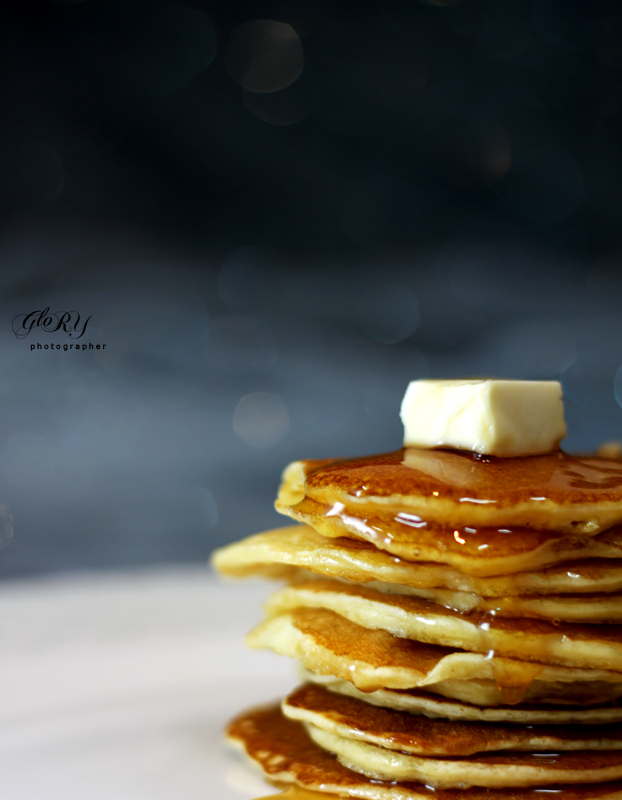 http://fc03.deviantart.net/fs70/f/2011/026/3/d/pancake_by_0o_glo0ory_o0-d384v9l.jpg