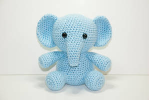 Ellden The Elephant by Heartstringcrochet