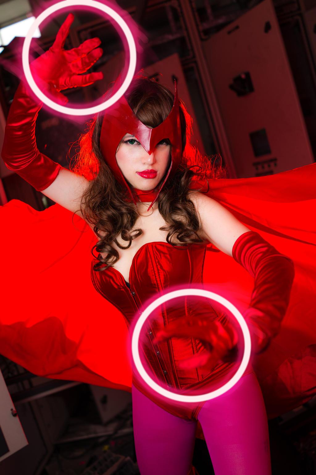 Scarlet Witch by Annachuu