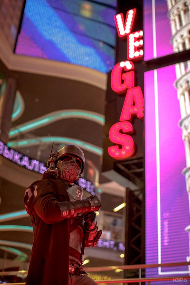 New Vegas Strip by MaxBdn