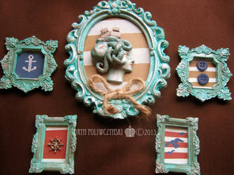 Vintage-Style Nautical Framed Cameo and Magnets