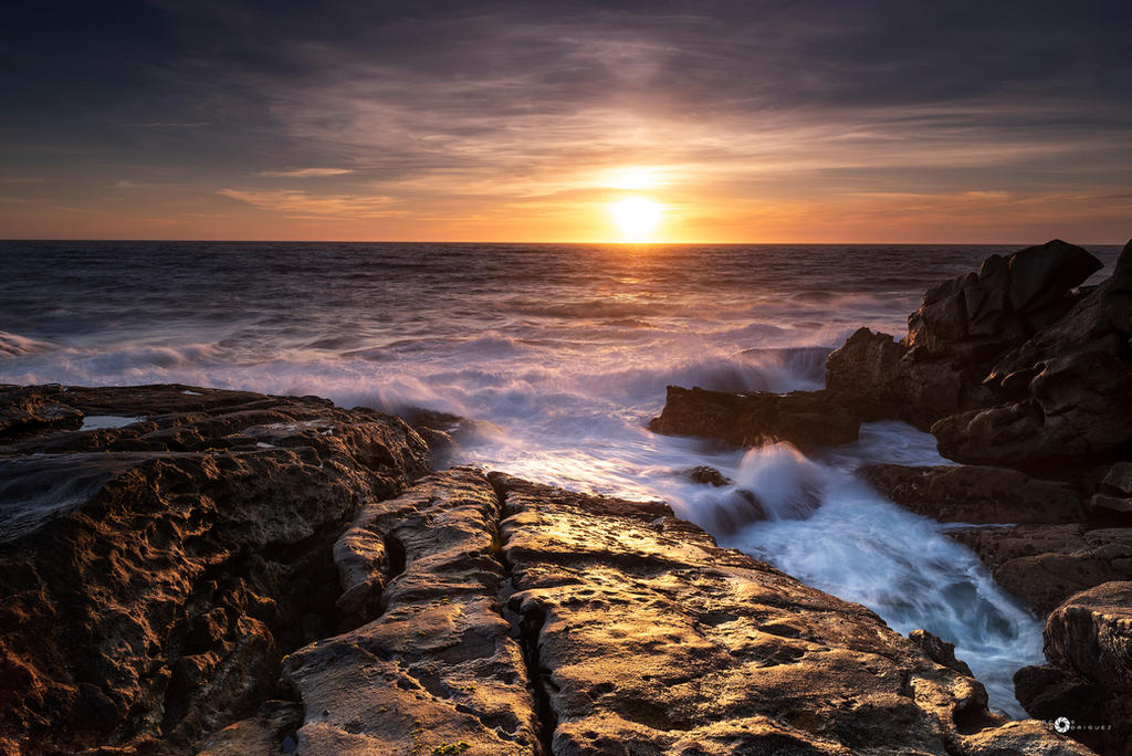 sunset and waves by MarcosRodriguez