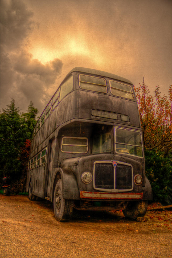 My old bus by ~fkefctry on