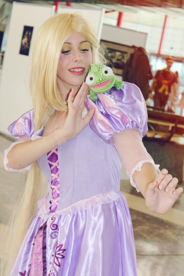 oh Pascal i love you my friend rapunzel cosplay by MissWeirdCat