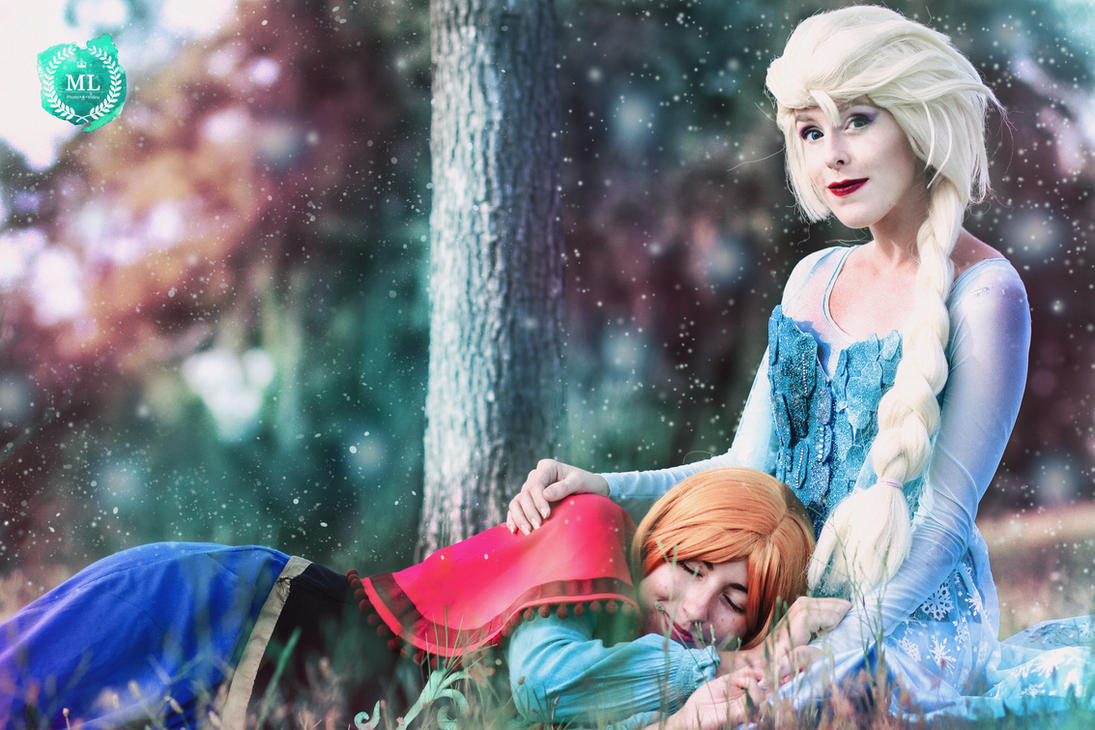Elsa y Anna Frozen Cosplay by MissWeirdCat