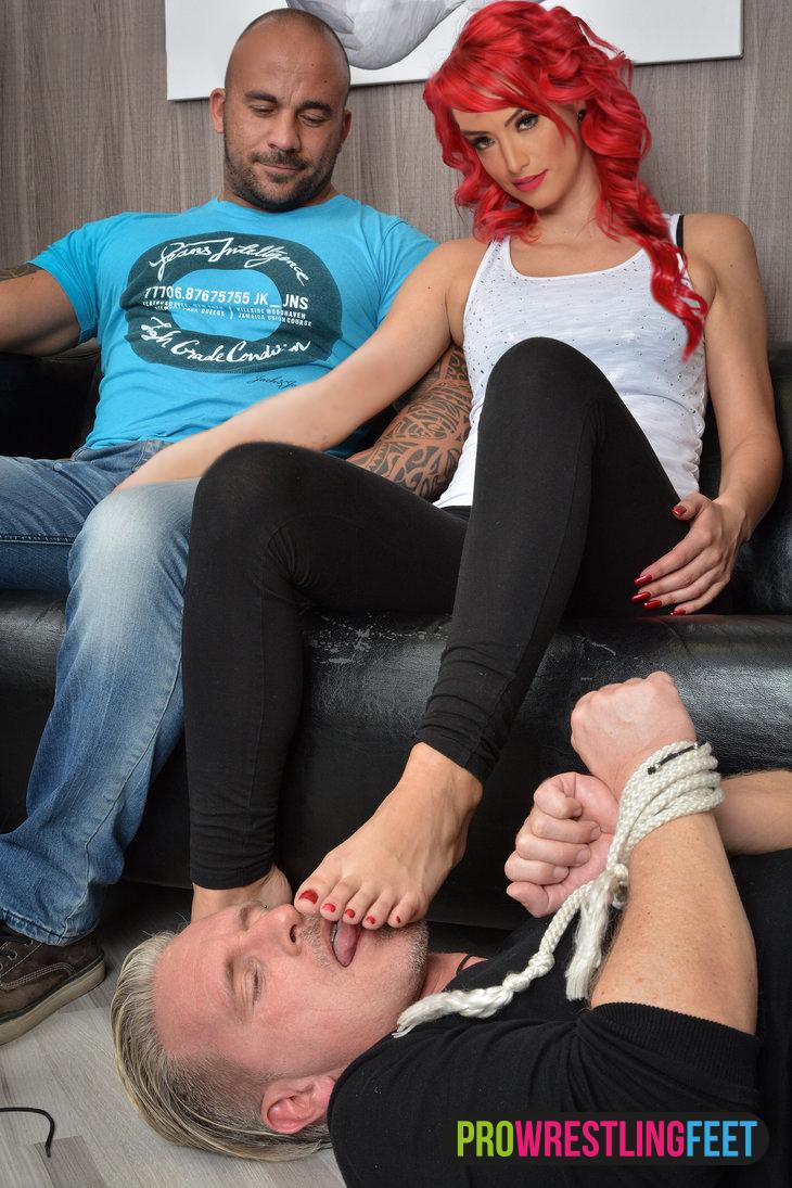 stephanie mcmahon sexy Füße