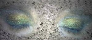 Ojos brillosos satinados