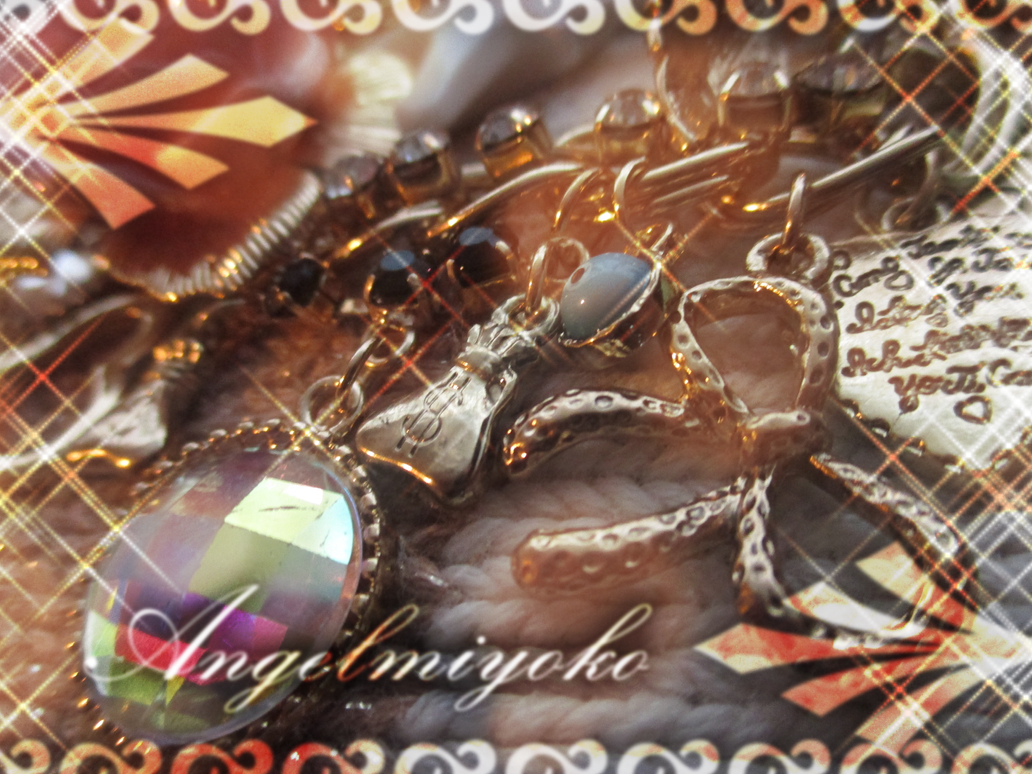 .:Unique Shine:. by AngelMiyoko