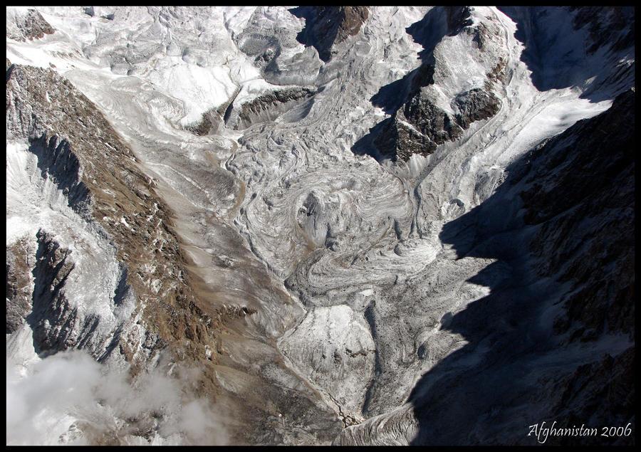 http://fc02.deviantart.net/fs71/i/2010/011/0/2/Glacier_by_dimitri_nikolas.jpg