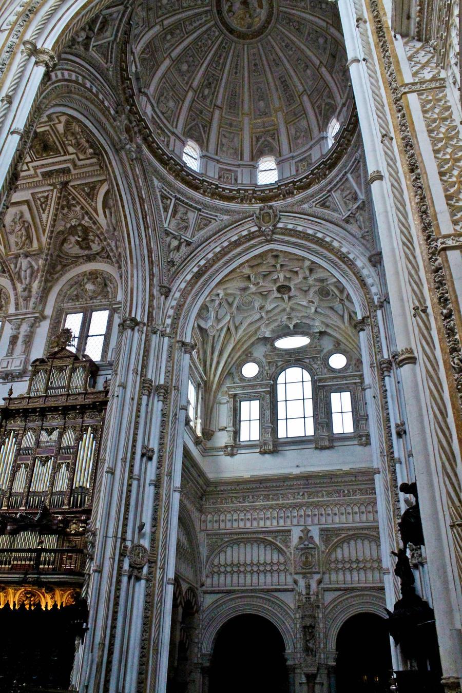 interior mezquita de cordoba 5 by thugdante on deviantart
