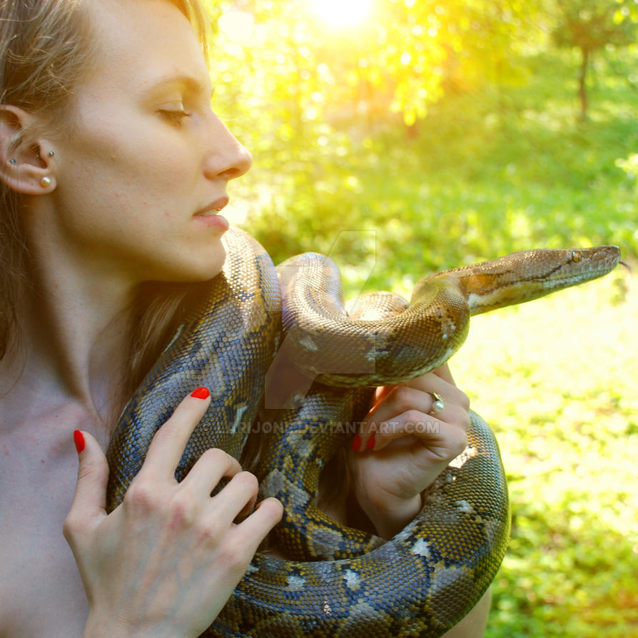 Eve and the serpent by larijone
