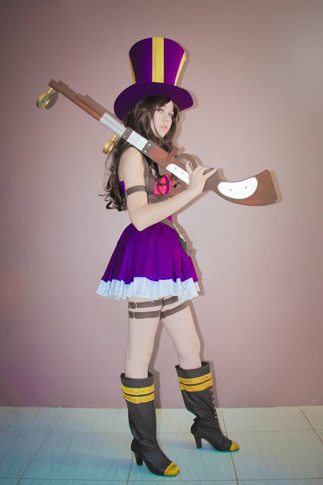Caitlyn Cosplay - League of Legends by DrikaCPR on DeviantArt