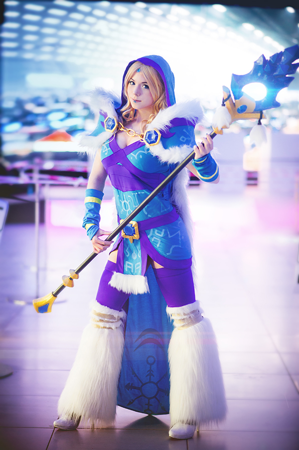 Merowpix - Crystal Maiden by Avrasil