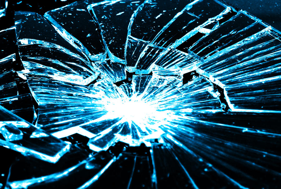 Cool D Shattered Peaces Light Room
