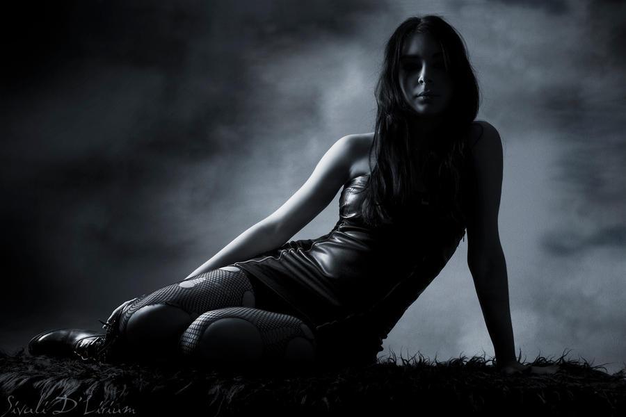 Hőség Mystery_woman_by_ladysivali
