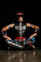 The Mighty Kung Lao - Mortal Kombat 9 Cosplay by LeonChiroCosplayArt