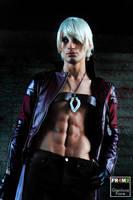 Dante DMC 3 Cosplay - Roma Comics Day 3 preview by LeonChiroCosplayArt