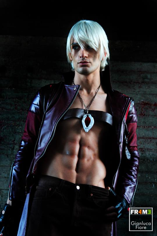 Dante DMC 3 Cosplay - Roma Comics Day 3 preview by LeonChiroCosplayArt