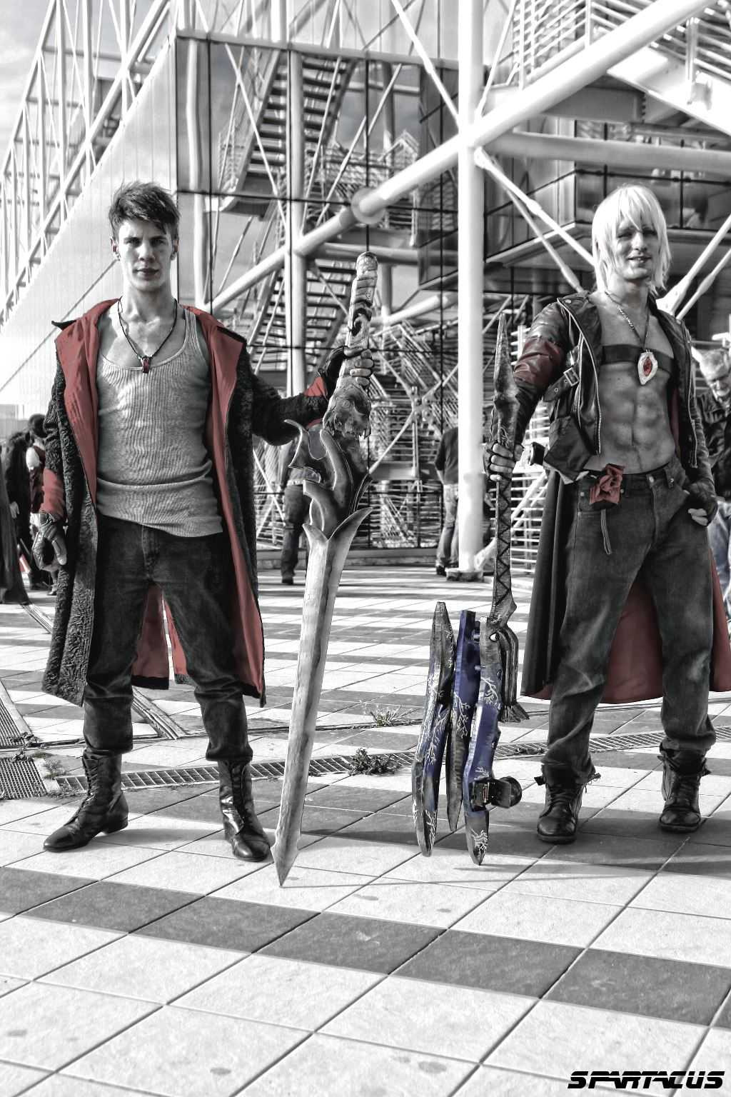 Past and Future - Dante DmC vs Dante DMC3 Cosplay by LeonChiroCosplayArt