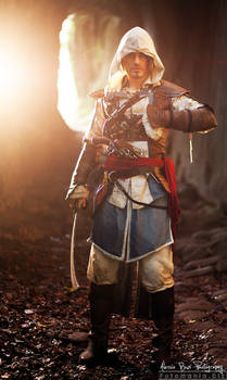 Cave of Echoes- Edward Kenway Cosplay - Leon Chiro