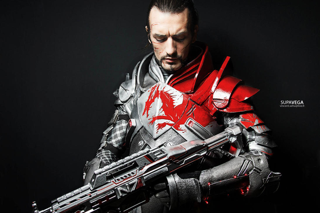 http://th08.deviantart.net/fs70/PRE/i/2014/341/5/a/shepard_cosplay__blood_dragon_armour_mass_effect_3_by_leonchirocosplayart-d891xoa.jpg