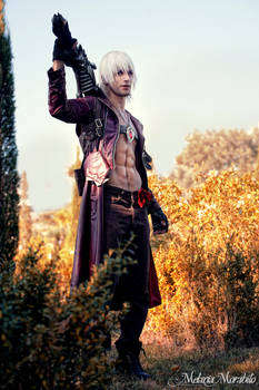 Dante Devil May Cry 3 Cosplay by Leon Chiro 2014