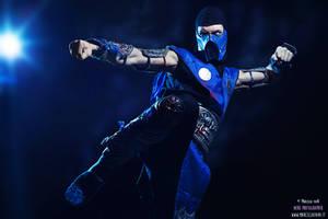 Sub Zero waiting Mortal Kombat X Cosplay by LC Art