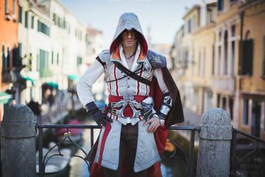 Ezio Auditore Cosplay - Assassin's Creed 2 by Leon by LeonChiroCosplayArt