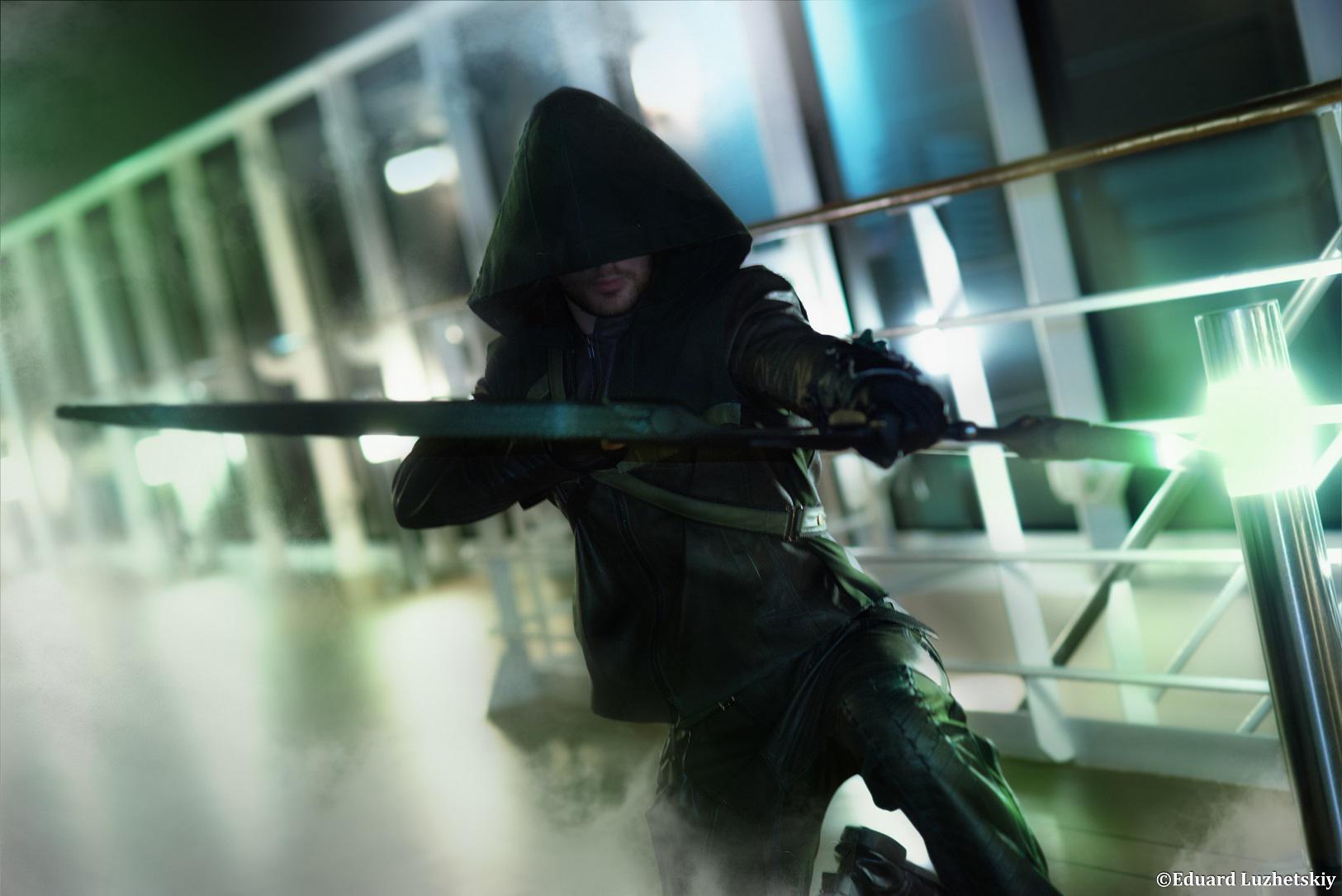 Oliver Queen - Arrow Cosplay by Leon Chiro DC by LeonChiroCosplayArt