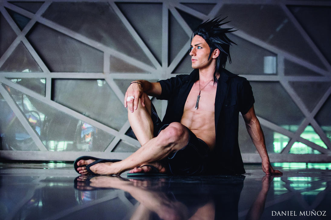 Zack Fair Cosplay - FF VII Crisis Core (Summer V.) by LeonChiroCosplayArt