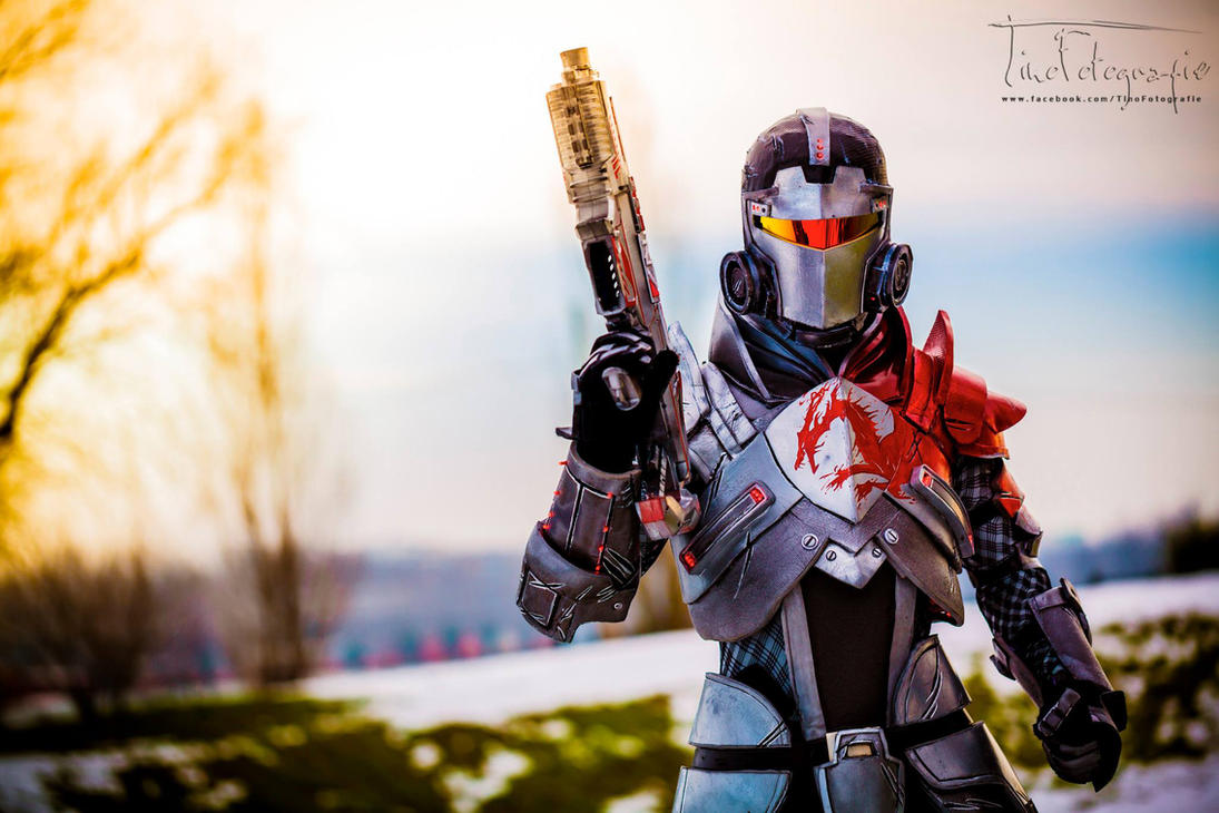 Commander Shepard - Mass Effect 3 Cosplay by LeonChiroCosplayArt | Photographed by Tino Fotografie