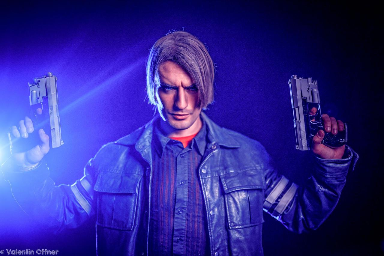 Resident Evil 6 Play Arts Kai Leon S Kennedy (PVC Figure)