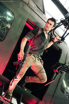 Nathan Drake - Uncharted 4 Cosplay Helicopter Land