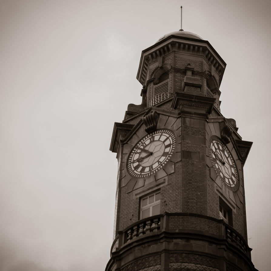 Town Clock by sawilson